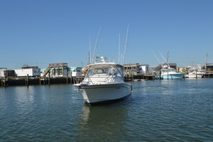 Rock N Rob is a Grady-White 330 Express Yacht For Sale in Atlantic Beach--47