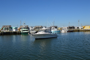 Rock N Rob is a Grady-White 330 Express Yacht For Sale in Atlantic Beach--43
