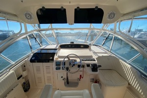 Rock N Rob is a Grady-White 330 Express Yacht For Sale in Atlantic Beach--13
