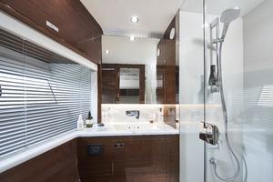 V78 Interior Port Cabin Bathroom Walnut Gloss