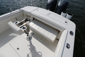 Lit Up is a Regulator 34 SS Yacht For Sale in Orange Beach-34 Regulator CC-21