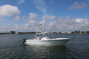 Lit Up is a Regulator 34 SS Yacht For Sale in Orange Beach-2011 Regulator 34 Center Console - Lit Up-0