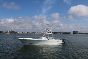 Lit Up is a Regulator 34 SS Yacht For Sale in Orange Beach-34 Regulator CC-31