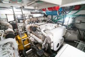 64 Sunseeker Engine Room