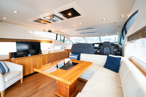 64 Sunseeker Salon