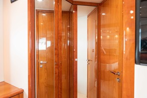 64 Sunseeker  Master Stateroom Shower