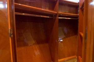 Azimut 80 - Enchanted Lady - VIP Stateroom Closet