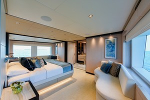 MAJESTY 120 is a Majesty Yachts Raised Pilothouse Yacht For Sale-Master Stateroom-10