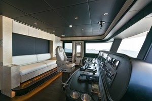 MAJESTY 120 is a Majesty Yachts Raised Pilothouse Yacht For Sale-Pilothouse-24