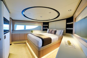 MAJESTY 120 is a Majesty Yachts Raised Pilothouse Yacht For Sale-VIP Stateroom-18