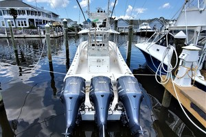 Triple J is a Regulator 34 Center Console Yacht For Sale in Manteo --7
