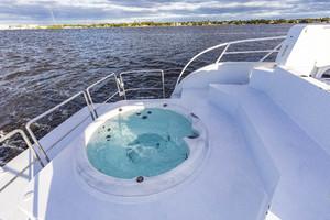 GlassTech 96 - Reset- Aft Hot Tub