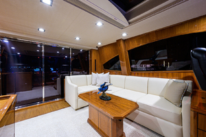 viking-75-2016-enclosed-bridge-