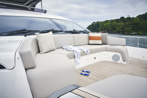 Y85 Exterior Foredeck Seating