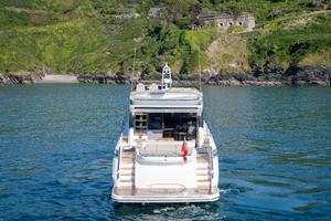 S62 Exterior White Hull 23