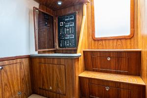 Predator 35 - It's A Wrap - Cabin