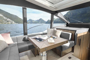 Picture Of a 2022 Sealine 52 C530 Motor Yachts   1628260
