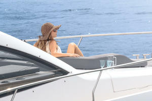 Picture Of a 2022 Sealine 52 C530 Motor Yachts   1628292
