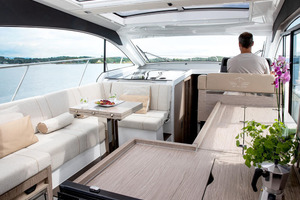 Picture Of a 2022 Sealine 39 C390 Motor Yachts | 1628502