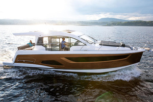 Picture Of a 2022 Sealine 39 C390 Motor Yachts | 1628472
