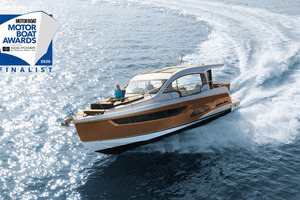 Picture Of a 2022 Sealine 39 C390 Motor Yachts | 1628516