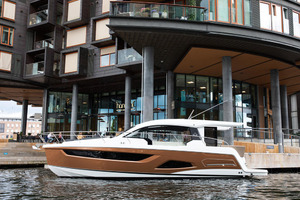 Picture Of a 2022 Sealine 39 C390 Motor Yachts | 1628483