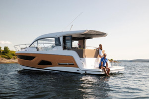 Picture Of a 2022 Sealine 39 C390 Motor Yachts | 1628476