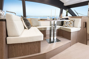 Picture Of a 2022 Sealine 45 F430 Motor Yachts | 1628543