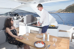 Picture Of a 2022 Sealine 33 S330 Motor Yachts | 1628634