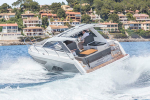 Picture Of a 2022 Sealine 33 S330 Motor Yachts | 1628613