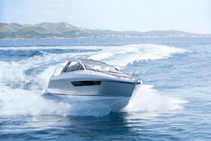 Picture Of a 2022 Sealine 33 S330 Motor Yachts | 1628612