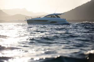 Picture Of a 2022 Sealine 33 S330 Motor Yachts | 1628635