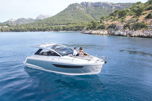 Picture Of a 2022 Sealine 33 S330 Motor Yachts | 1628628