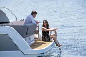 Picture Of a 2022 Sealine 33 S330 Motor Yachts | 1628630