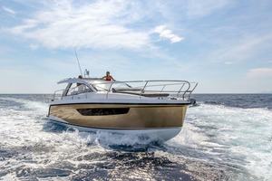 Picture Of a 2022 Sealine 33 S330v Motor Yachts | 1628654