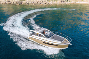 Picture Of a 2022 Sealine 33 S330v Motor Yachts | 1628656