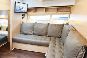 Picture Of a 2022 Sealine 33 S330v Motor Yachts | 1628678