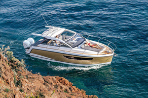 Picture Of a 2022 Sealine 33 S330v Motor Yachts | 1628661