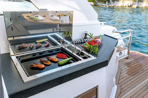Picture Of a 2022 Sealine 33 S330v Motor Yachts | 1628670