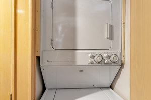 Broward 104 - Pathway - Laundry