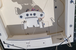Pop a Top is a Albemarle 32 Express Yacht For Sale in Atlantic Beach--30