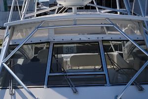 Pop a Top is a Albemarle 32 Express Yacht For Sale in Atlantic Beach--9