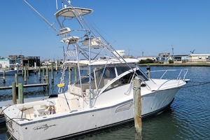 Pop a Top is a Albemarle 32 Express Yacht For Sale in Atlantic Beach--0