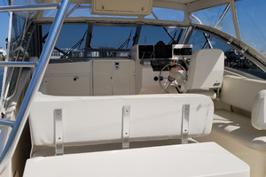 Pop a Top is a Albemarle 32 Express Yacht For Sale in Atlantic Beach--8