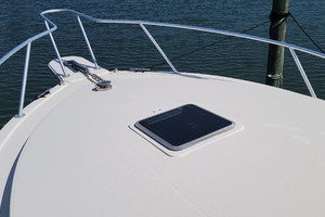 Pop a Top is a Albemarle 32 Express Yacht For Sale in Atlantic Beach--3