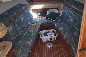 Pop a Top is a Albemarle 32 Express Yacht For Sale in Atlantic Beach--16