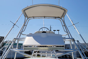 Pop a Top is a Albemarle 32 Express Yacht For Sale in Atlantic Beach--2
