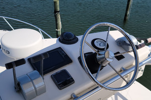 Pop a Top is a Albemarle 32 Express Yacht For Sale in Atlantic Beach--25