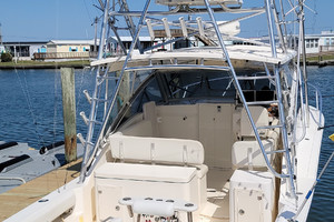 Pop a Top is a Albemarle 32 Express Yacht For Sale in Atlantic Beach--1