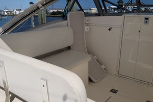 Pop a Top is a Albemarle 32 Express Yacht For Sale in Atlantic Beach--12